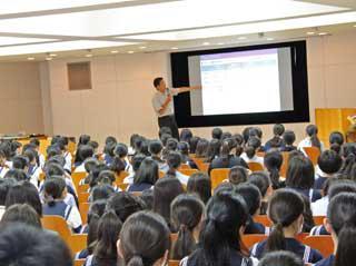 7月講堂朝礼 – 川村中学校・高等学校